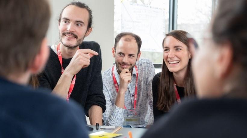 Z2x summit berlin festival diskussionen artikel bild